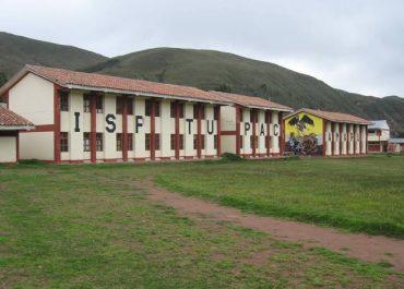 """Otorgan Licenciamiento Institucional, a Escuela de Educación Superior Pedagógica """"Túpac Amaru"""" del distrito de Tinta, provincia de Canchis. Mediante Resolución Ministerial N°287-2020 MINEDU."""