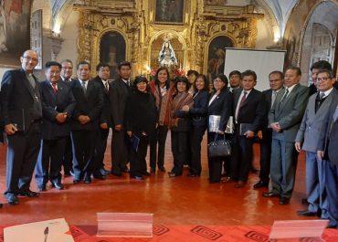En Mesa de Trabajo, Gobernador Regional del Cusco y Directora Regional de Educación Expusieron Carencias del Sector a la Ministra de Educación Flor Pablo Medina.